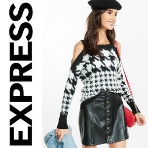 NWT {EXPRESS} Fuzzy Houndstooth Sweater